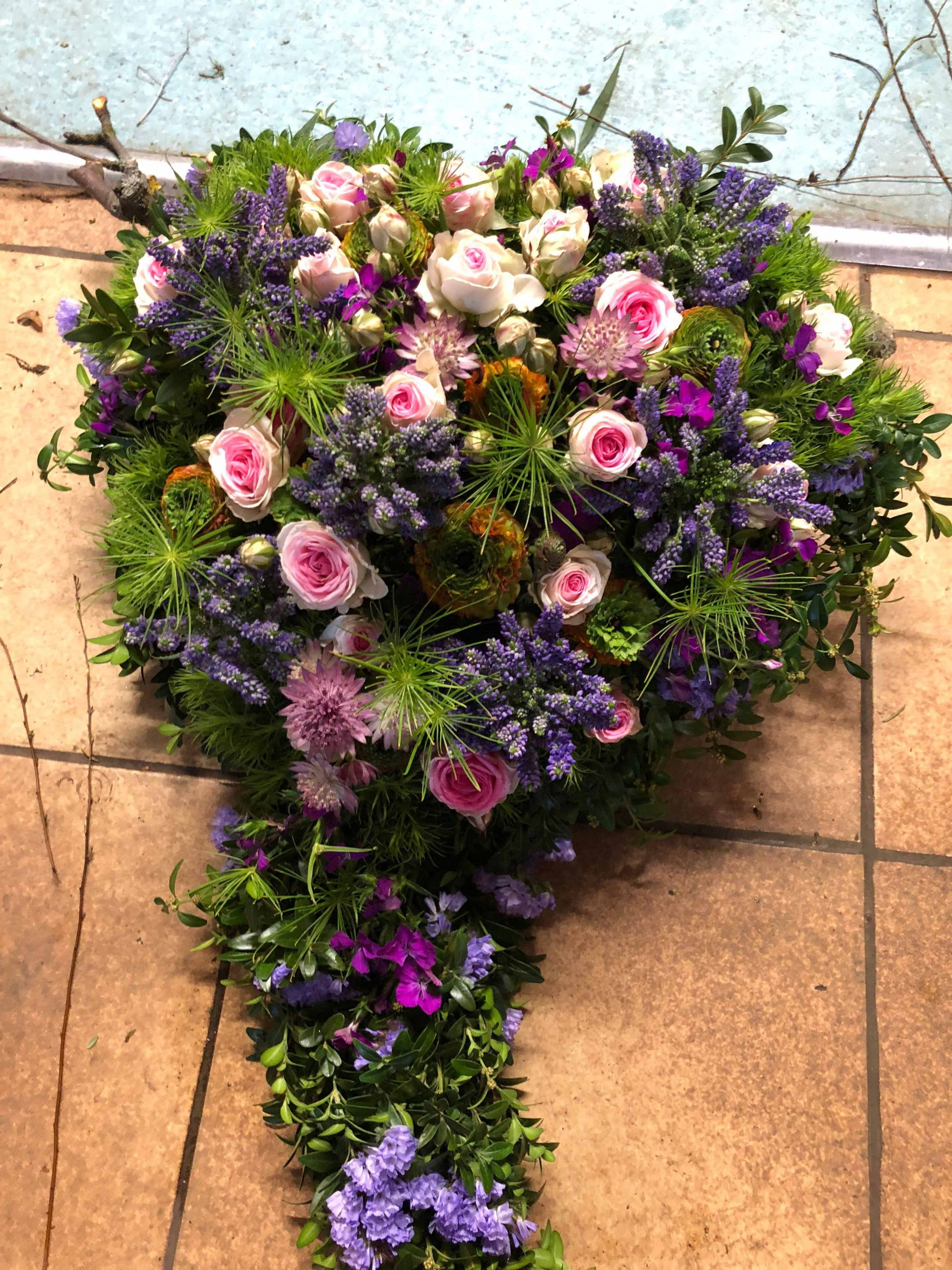 16 Trauerherz violett-rosa
