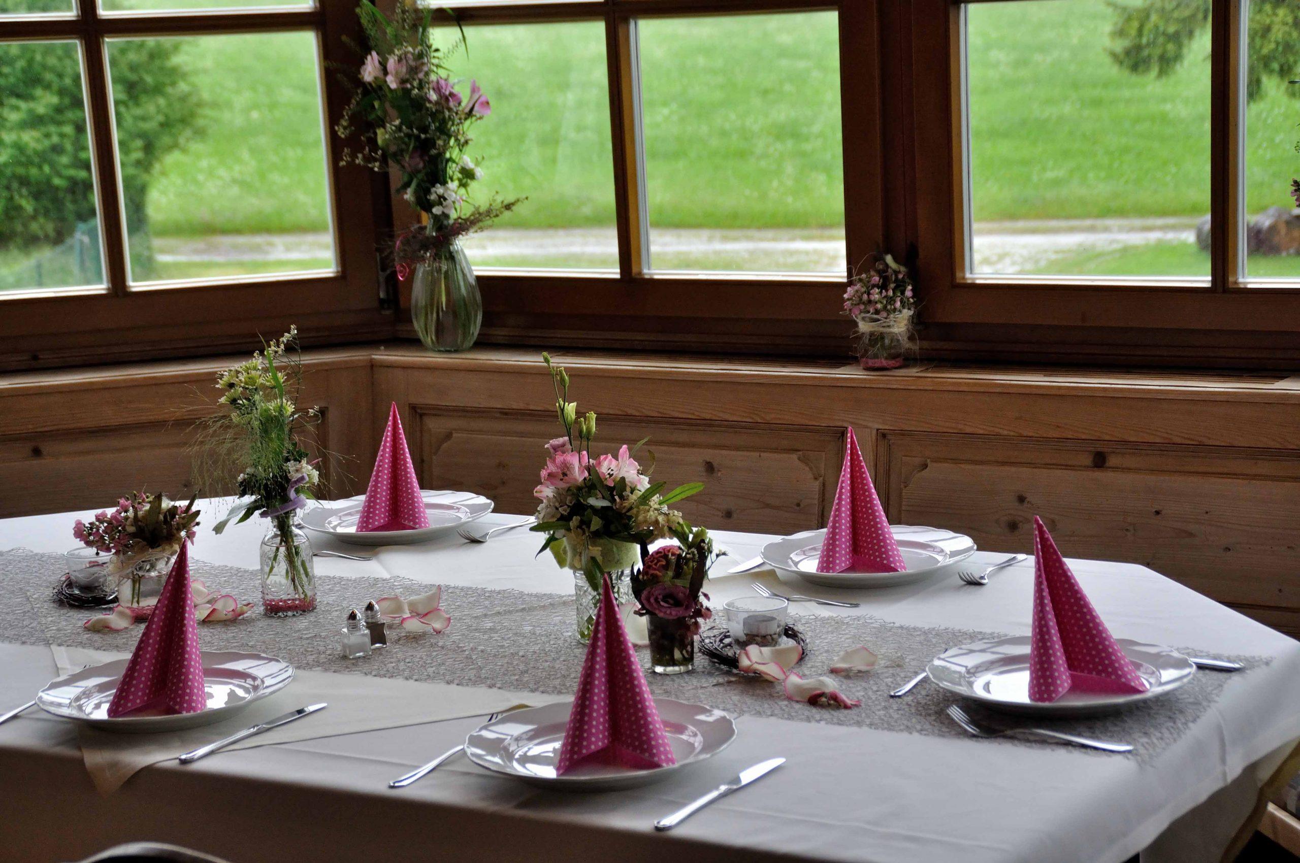 46 Vasen-Tischschmuck rosé