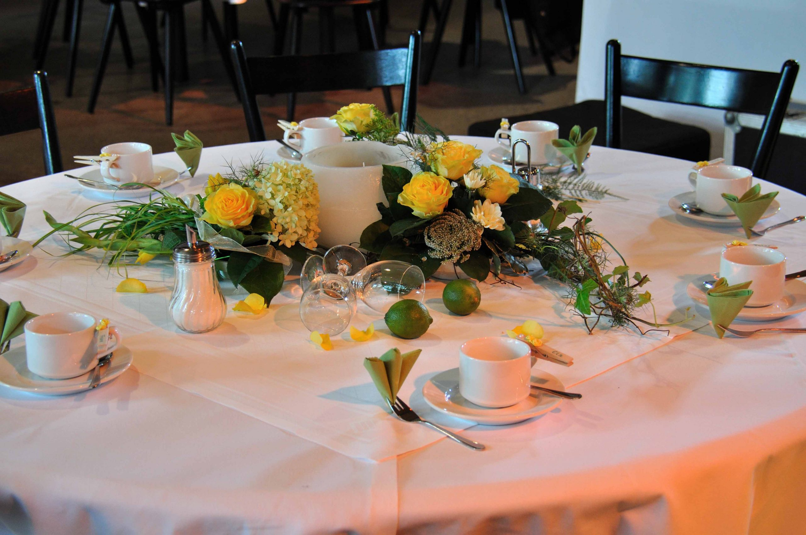 50 Tischdeko gelb-grün