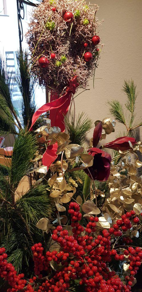 Weihnachtsschmuck in Rot-Gold